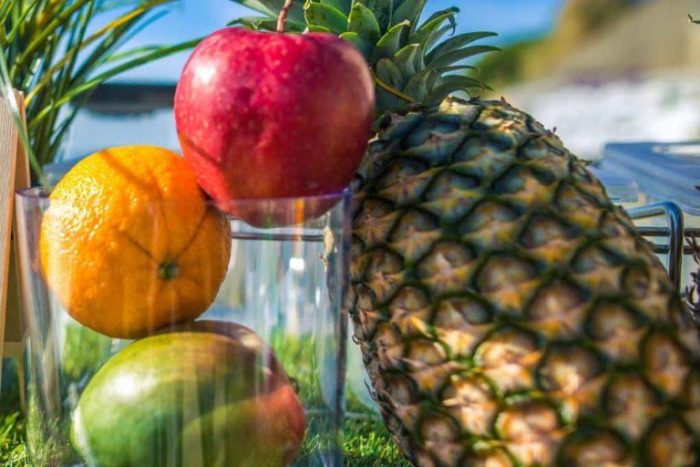 ananas et fruits frais