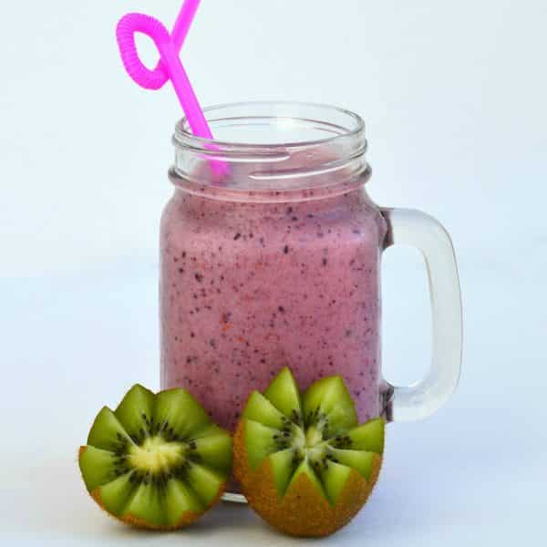 smoothie kiwis fruits rouges